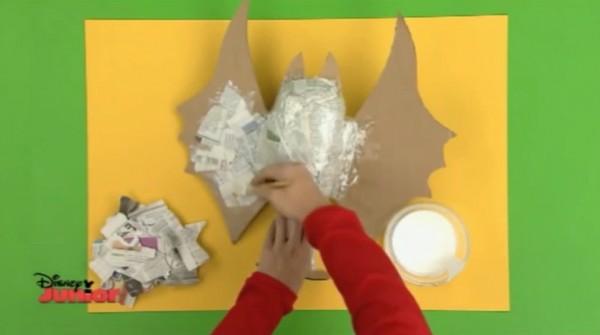 Hacer un murci lago con cart n y papel de peri dico manualidades de papel - Manualidades art attack ...