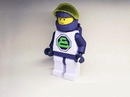 papercraft lego astronauta